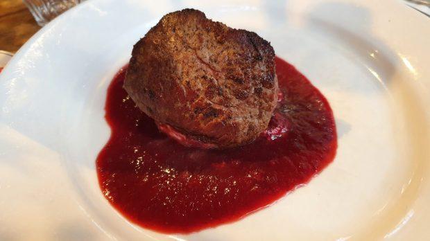Steak in Erdbeersoße