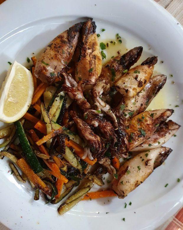 Tintenfisch mit Gemüse