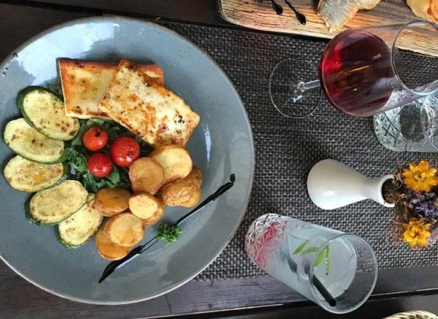 Slowenischer Wein zum Essen