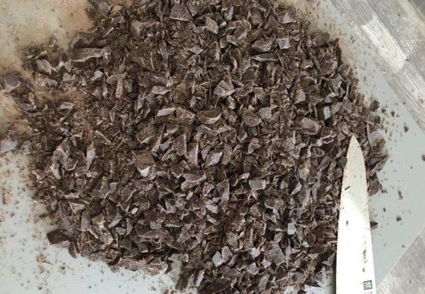 Gehackte Zartbitterschokolade