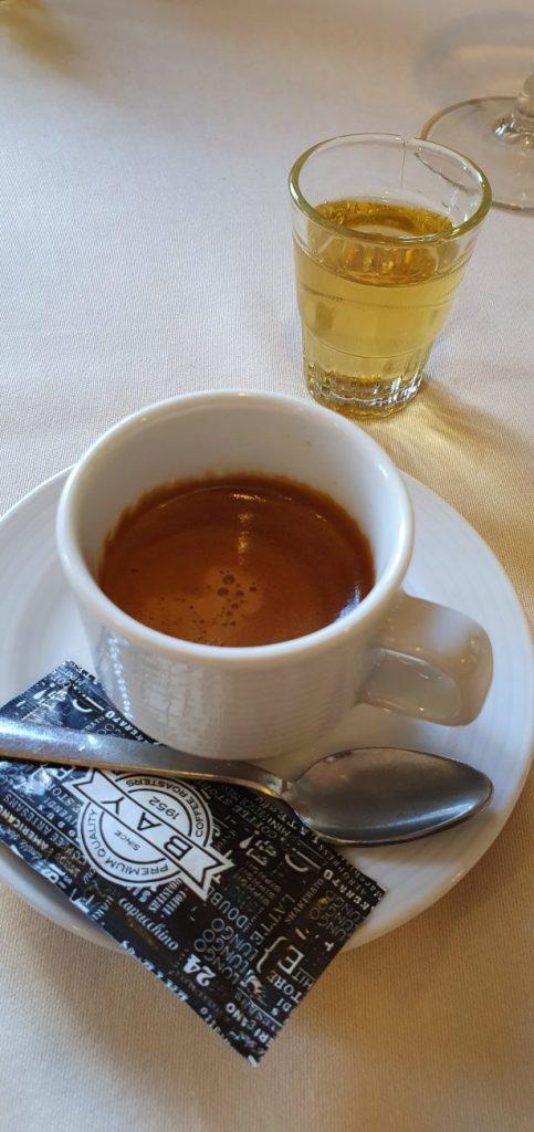 Mallorquinisches Kaffeegedeck