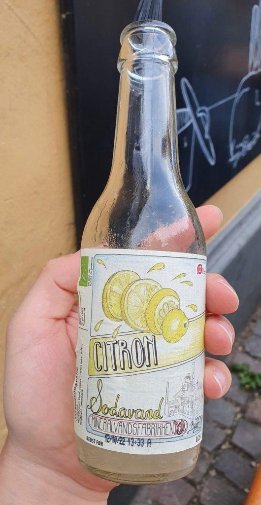 Dänische Zitronenlimonade